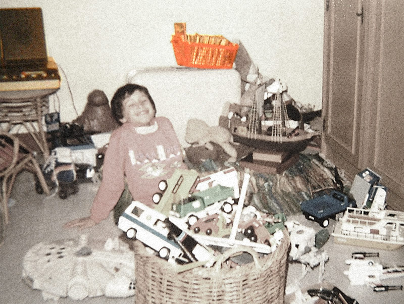 1988 - Vinyls & Audio tapes | Me in my room. On the left-top corner, my first vinyl and audio-tape recorder